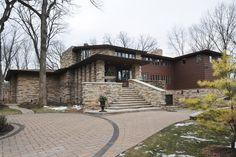 オーナーの要望でユーソニアン住宅様式を採用した7寝室の邸宅・・・【スライドショー】フランク・ロイド・ライト建築のファンがシカゴ郊外に建てた邸宅 - WSJ.com