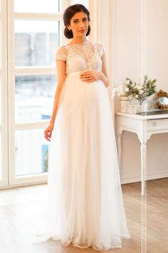 Another pregnant bridal gown Wedding Dresses Pregnant Brides, White Wedding Dresses, Bridal Dresses, Wedding Gowns, Maternity Wedding, Bridal Gown, Maternity Evening Gowns, Maternity Dresses For Photoshoot, Maternity Fashion