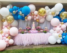 Looking for girl party ideas? Kara's Party Ideas has 13 Fabulous Princess Birthday Parties for you to feast your eyes on! Balloon Arch, Balloon Garland, Balloon Decorations, Birthday Party Decorations, Birthday Parties, Balloon Arrangements, Helium Balloons, Princess Birthday, Princess Party