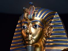 Tutankhamun: Great golden face mask was actually made for his mother Nefertiti, research reveals | Home News | News | The Independent