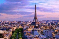 La Exposicion International estuvo en Paris, Francia. La Exposicion tuvo arte.