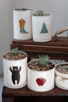Home Decoration For Small House Product Recycle Cans, Diy Cans, Recycling, Tin Can Crafts, Diy And Crafts, Tin Can Art, Recycled Tin Cans, Deco Nature, Painted Pots
