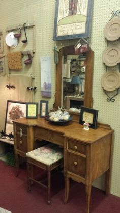 Great antique booth displays