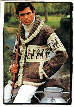 inspiration from etsy Fair Isle Knitting Patterns, Sweater Knitting Patterns, Intarsia Knitting, Icelandic Sweaters, Quick Knits, Cat Sweaters, Hommes Sexy, Chunky Yarn, Vintage Knitting