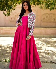 Women S Fashion Trends Gown Party Wear, Party Wear Indian Dresses, Indian Gowns Dresses, Dress Indian Style, Indian Fashion Dresses, Indian Designer Outfits, Girls Fashion Clothes, Indian Outfits, Long Gown Design