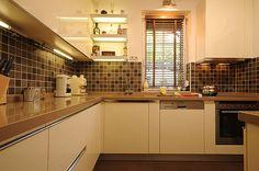 Konyhák - Google keresés Kitchen Cabinets, Google, Home Decor, Decoration Home, Room Decor, Cabinets, Home Interior Design, Dressers, Home Decoration
