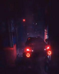 Flying Car in the future futuristic police car video dystopia Ville Cyberpunk, Cyberpunk City, Arte Cyberpunk, Wallpaper Clouds, Light Purple Wallpaper, Cyberpunk Aesthetic, Purple Aesthetic, Aesthetic Dark, Wallpaper Carros