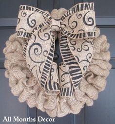Natural Burlap Wreath with Stripe - 20 Stunning Handmade Christmas Wreaths