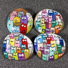 Approximate Size Range: to Inches Average Weight: oz. These are hand painted and signed artworks on naturally rounded river stones. The design features a group of comical cats and is titled Rock Painting Patterns, Rock Painting Ideas Easy, Rock Painting Designs, Paint Designs, Pebble Painting, Pebble Art, Stone Painting, Diy Painting, Painted Rocks Craft