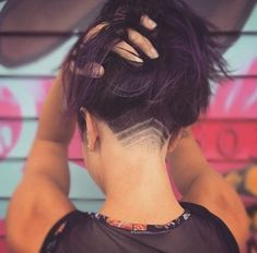 Faded Faded,Frisuren Faded - Undercut Hair Designs For The Most Bold And Badass Ladies - Photos Design Undercut Hairstyles Women, Short Hair Undercut, Undercut Women, Pretty Hairstyles, Shaved Undercut, Pixie Haircuts, Undercut Natural Hair, Pixie Hairstyles, Woman Hairstyles