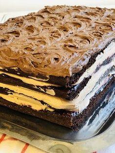 Dessert Cake Recipes, Dessert Drinks, Sweets Recipes, Torte Recepti, Kolaci I Torte, Romanian Desserts, Torte Cake, Novelty Cakes, Pastry Cake
