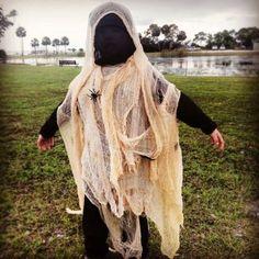 DIY Kids Ghost Costume by scratchandstitch.com