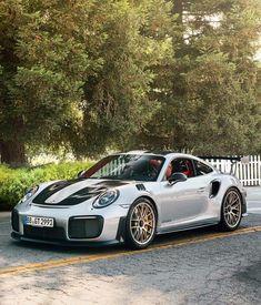 Porsche 911 GT2 RS - stunning!