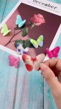Cool Paper Crafts, Paper Flowers Craft, Flower Crafts, Diy Paper, Paper Butterfly Crafts, Paper Pin, Diy Butterfly Decorations, Colorful Crafts, Origami Decoration