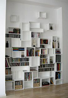 59 ideas for wall storage cubes book shelves Wood Box Shelves, Cube Shelves, Cube Storage, Storage Shelves, Wall Shelves, Dvd Storage, Modular Shelving, Modular Storage, Vinyl Storage