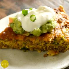 This  Low-Carb Crustless #Taco Pie makes an easy spicy dinner. It's crustless, so not only is it #low-carb, it's also gluten-free and grain-free. This crustless quiche can work in low-carb, #keto, diabetic, gluten-free, Atkins, diabetic, and Banting diets.