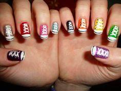 Converse, ojalá yo pudiese hacer diseños de uñas tan chulos!!!