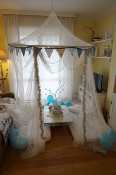 canopy for a queen Elsa party