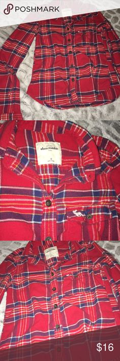 Girls Abercrombie Kids Button Down Plaid Shirt Cute! In excellent condition Abercombie Kids Shirts & Tops Button Down Shirts