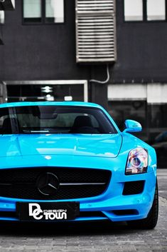 Baby Blue Mercedes.  Car of the Day: 18 August 2014.