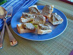 crostini di pane al patè di lenticchie