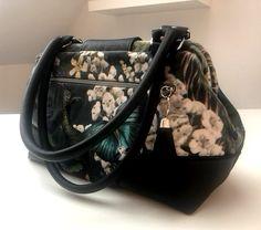 edle Carpet Bag in Handtaschengröße mit Lederhenkeln, genäht von Cathrin Carpet Bag, Lunch Box, Bags, Handbags, Bento Box, Bag, Totes, Hand Bags