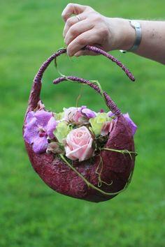 Handbag bouquet http://www.fleurcreatif.com