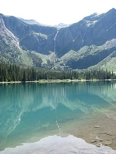 Hike to Avalanche Lake in Glacier National Park