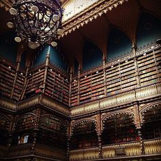 """「図書館なんて、ただ本を読んで、勉強するためだけの場所でしょ。」と思ってる方!そんなことないんです。海外にある図書館の""""美しさ""""が度を越しているんです。その中でも今回は""""美しすぎる""""図書館9選を紹介します!"""