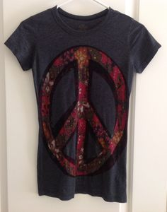 Urban Outfitters Floral Peace Sign Tee. Size: S. New, without tags.