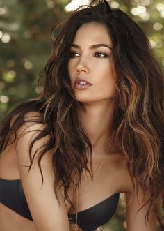 Trendy Hair Color Ideas For Brunettes Ombre Balayage Lily Aldridge Hair Color Highlights, Hair Color Balayage, Carmel Highlights, Beach Hair Color, Hair Color For Tan Skin, Brown Balayage, Victoria Secret Hair, Long Layered Hair, Trendy Hairstyles