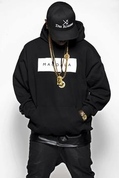 Des Rosiers Buy you Magdala Hoodie:http://www.des-rosiers.com/collections/noir-lvxvr/products/hood-magdala-1