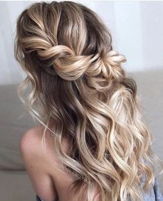 Wedding Hairstyles Half Up Half Down Easy To Do Half Up Hairstyles Twisted Blonde Highlights Prom Hairstyles For Long Hair, Homecoming Hairstyles, Formal Hairstyles, Bride Hairstyles, Hairstyle Ideas, Hairstyles Haircuts, Hairstyles For Dances, Mermaid Hairstyles, Boho Hairstyles For Long Hair