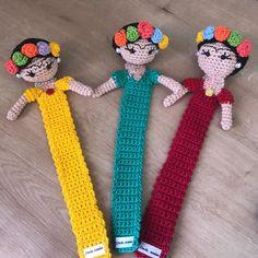 Crochet Bookmark Pattern, Crochet Case, Crochet Bookmarks, Crochet Buttons, Crochet Quilt, Crochet Books, Cute Crochet, Crochet Motif, Crochet Crafts