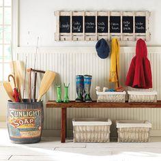 Handmade home - very cute idea for an entry way