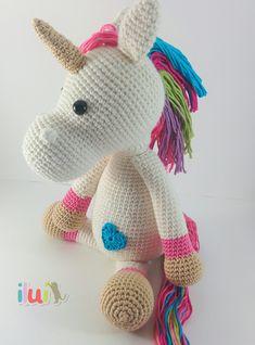 Amugurumi realizado con hilo suave de alpaca y lana por ILUÍ. https://www.facebook.com/ilui.es/ Basado en el patrón de Krissie Dolls