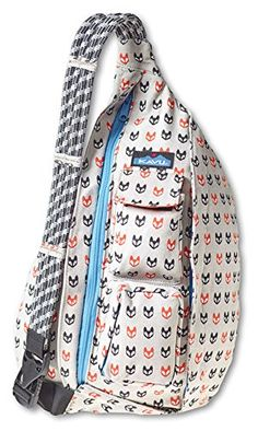 Kavu Rope Bags are functional, fun, and stylish organizer shoulder bags for work, school or the gym. It's a durable day pack and the perfect travel companion. The Kavu Rope Bag is available in many different colors and prints at Mori Luggge and gifts. Mochila Jeans, Fabric Bags, Sling Backpack, Sling Bags, Bag Accessories, Purses And Bags, Cool Outfits, Crossbody Bag, My Style