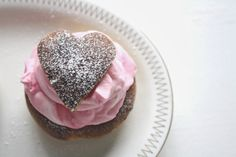 A swedish cream puff, made for Valentines day / Alla hjärtans dag-semla