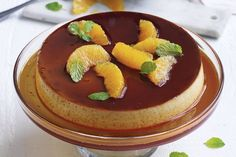 This sweet and creamy creme caramel is what you make when you want to impress your friends at a dinner party. Round Cake Pans, Round Cakes, Chef Recipes, Baking Recipes, Creme Caramel, Pastry Brushes, Caramel Recipes, Microwave Recipes