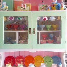 #happyfriday #rainbow #vintagekitchen #retrokitchen #colourpop #colorfulhome #onlineshopping #etsy #etsyshop #repost #happy #postivevibes #color #vintagelove #retrolove #kewpiedoll #vintagebluebird Colour Pop, Happy Sunday, Kitsch, Retro Kitchen Decor, Candy Colors, Blue Bird, Cozy, Boutique, Photo And Video