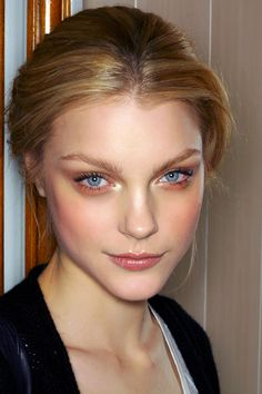 Jessica Stam simple make up
