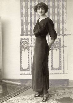 Idea for Women in Town skirts: From 1912...use full length pencil skirts