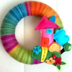 FELT IN LOVE: Keçe Ev figürlü Kapı Süsü