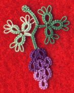 "Mlle Riego, ""Bunch of Grapes"" - Instructions  #tatting #fruit #leaf"