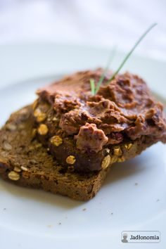 jadłonomia · roślinne przepisy: Co do chleba? Pasta z czerwonej fasoli
