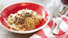 DIE VIDEO-KOCHSCHULE Die echten Spaghetti Carbonara