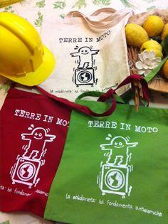 Magliette e shopper commercializzate da Arcoiris