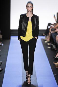 Monique Lhuillier Spring 2012 Ready-to-Wear Collection Photos - Vogue