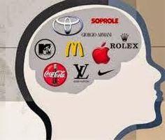Ley de la mente  Es mejor ser el primero en la mente del público que en el punto de venta. El marketing  es una batalla de percepción, no de productos. La guerra la gana quien consigue grabar  una imagen en la mente del público, porque ya será imposible cambiarla