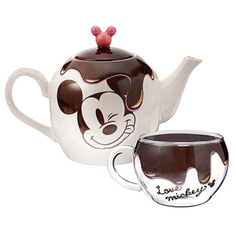 New Mickey Mouse teapot from Disney Store Japan Cozinha Do Mickey Mouse, Mickey Mouse Kitchen, New Mickey Mouse, Mickey Minnie Mouse, Mickey Love, Mickey And Friends, Casa Disney, Disney House, Deco Disney
